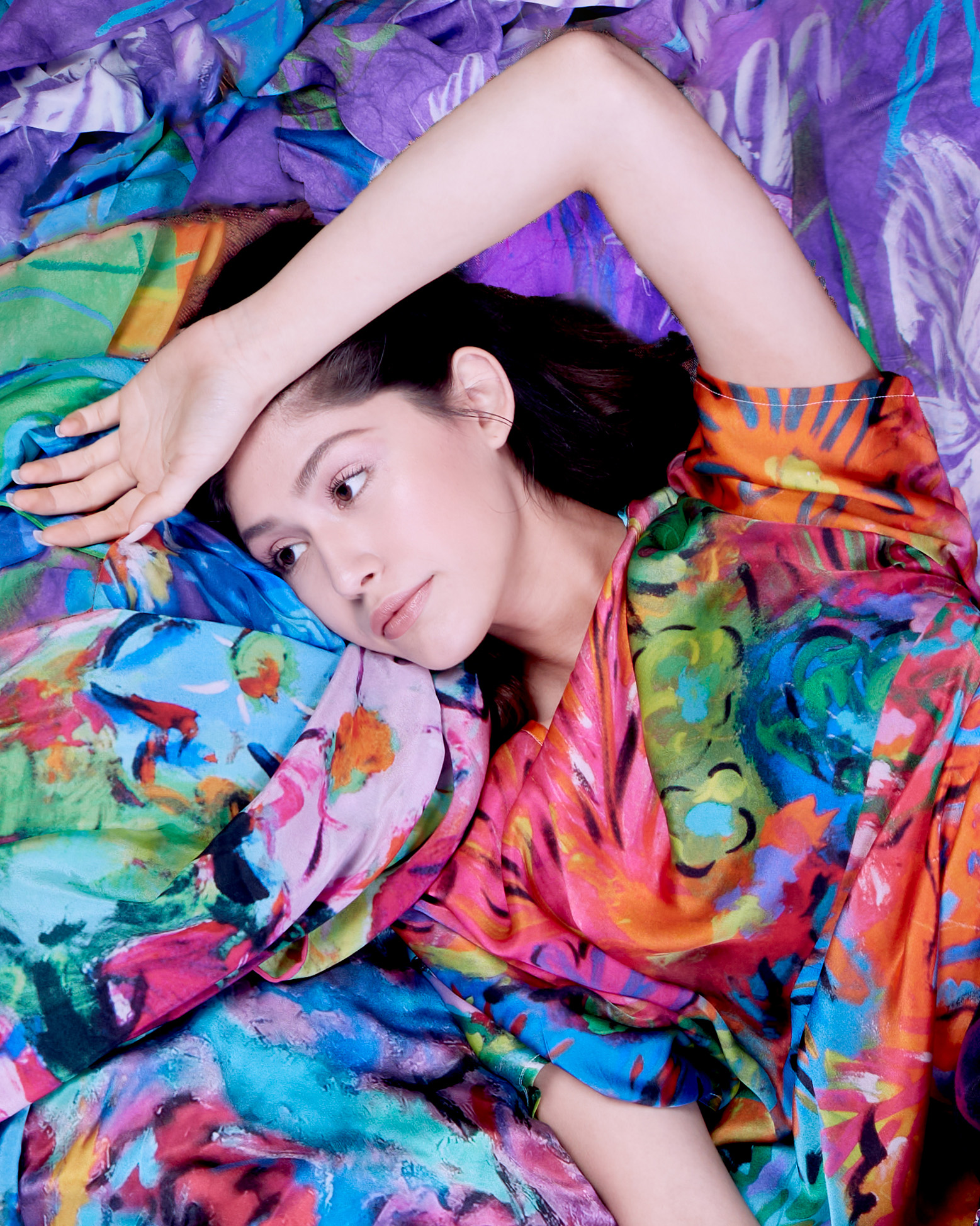 lookbook-photo-model-reclinging-silk-scarves