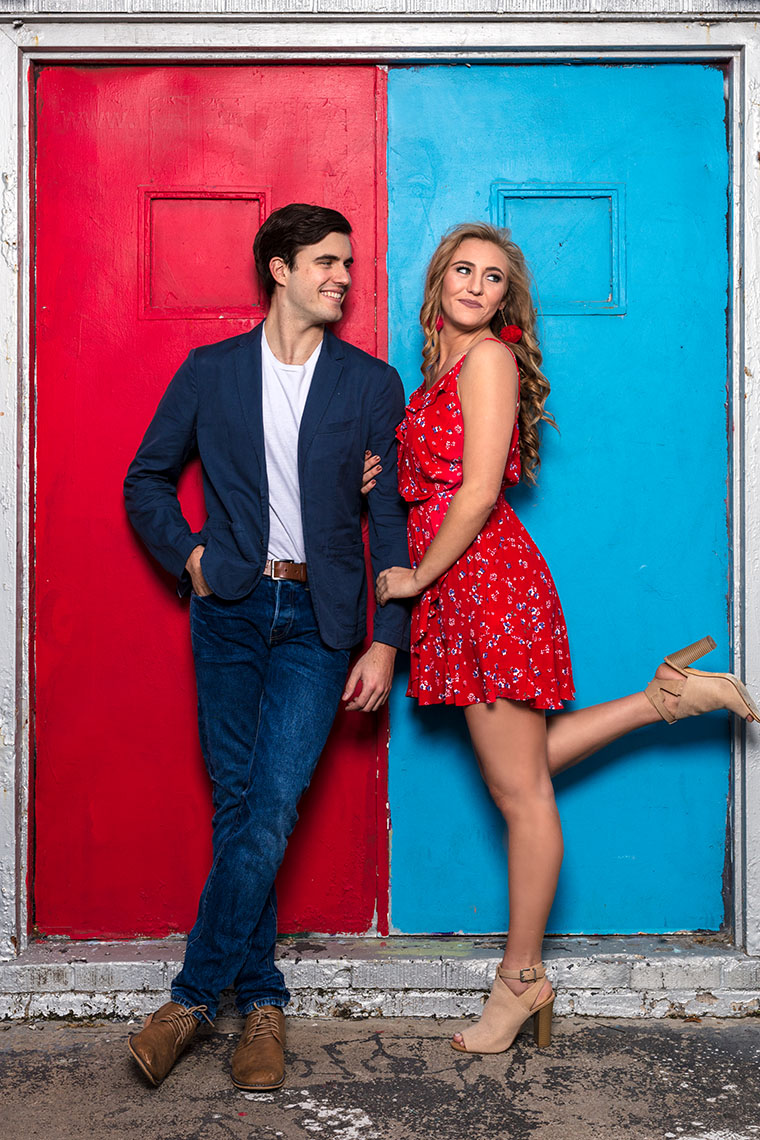 editorial-street-fashion-cute-couple-blue-red