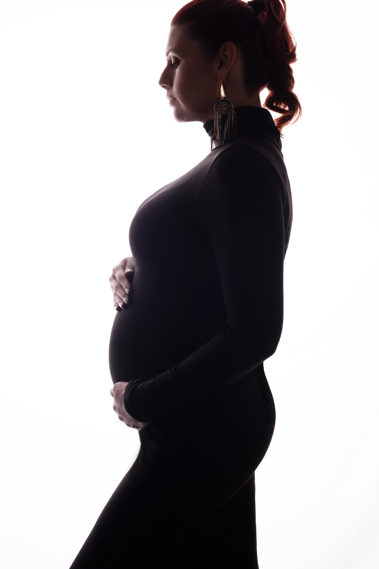 maternity-portrait-silhouette-fashion